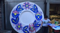 На Софиевской площади появятся тарелки с Петриковской росписью